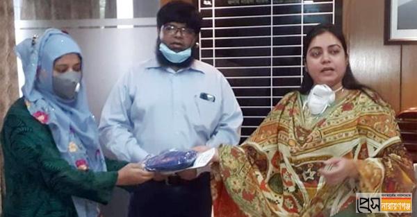 নারায়ণগঞ্জ সদরের সিএইচসিপিরা পেলেন সুরক্ষা সামগ্রী