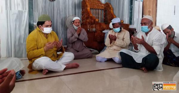 প্রধানমন্ত্রীর জন্যে এমপি খোকার উদ্যোগে শোকরানা দোয়া
